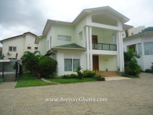 4 bedroom townhouse for rent in Airport Residential Area, Accra Ghana