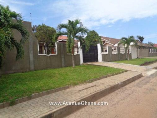 1 3 bedroom house with garden for rent in Airport Hills Accra Ghana