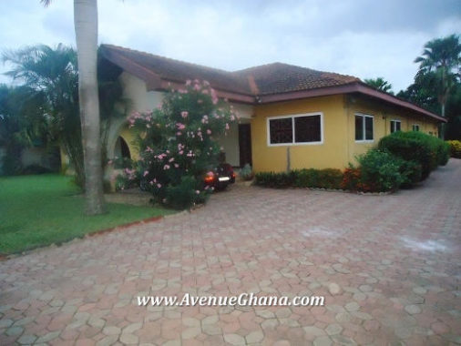 4 bedroom house with swimming pool for sale at North Legon, Accra
