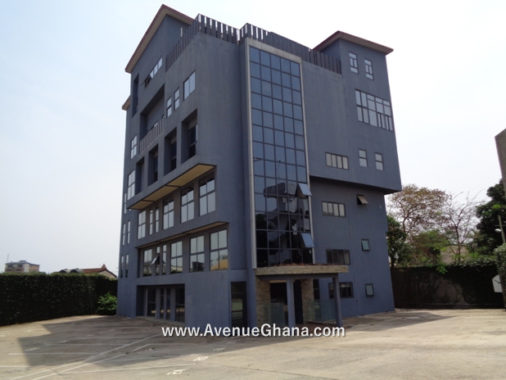 Office building for sale at Ring Road near Kanda High Way/ North Ridge, Accra
