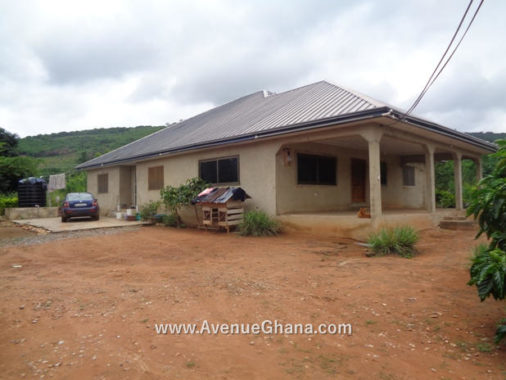 5 bedroom house for sale at Dodowa near GANATA School in Ghana