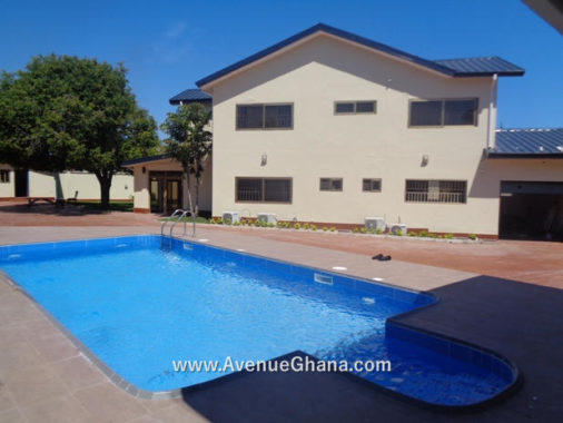House for rent, Executive 4 bedroom house with a swimming pool to let at Labone