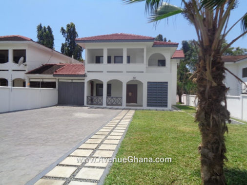 Executive 3 three bedroom house with swimming pool to for rent at North Ridge in Accra Ghana