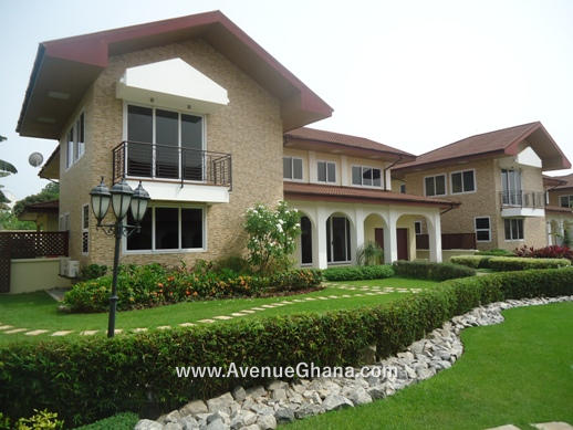 4 bedroom townhouse with swimming pool for rent in Cantonments, Accra Ghana