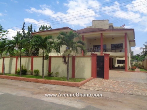 Executive 6 bedroom house for rent at Dzorwulu in Accra