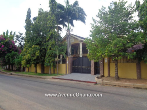 5 bedroom house with swimming pool for rent in Airport Residential Area near Association International School in Accra Ghana
