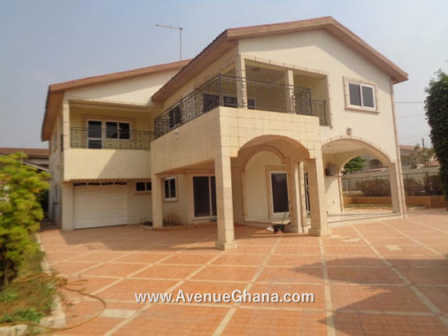 Executive 4 (four) bedroom house (all en-suite) with swimming pool for rent at East Legon near PH Hotel in Accra, Ghana