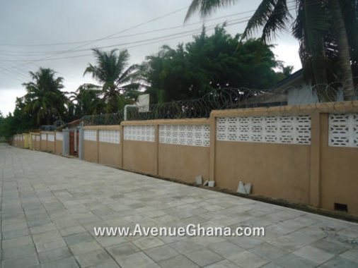 3 bedroom house with 2 bedroom outhouse to let at Dzorwulu, Accra