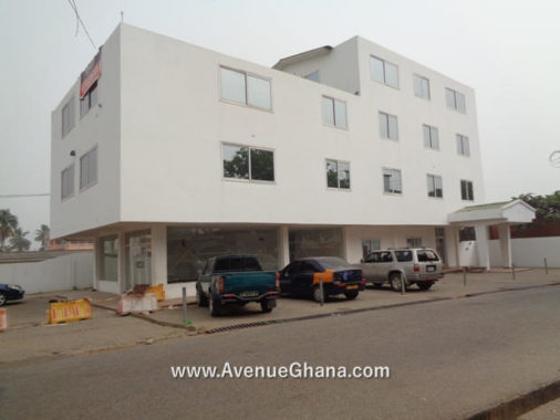 For rent: Commercial property/ office building to let at Osu near Oxford Street in Accra