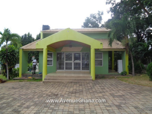 4 bedroom House with 2 bedroom outhouse for rent at Cantonments in Accra, Ghana