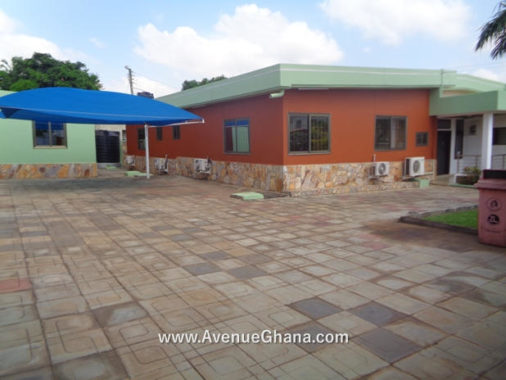Rent a 4 bedroom house at East Legon in Accra – near Lizzy Sports Complex