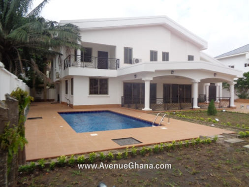 4 bedroom house with swimming pool to let at Airport Residential Area in Accra