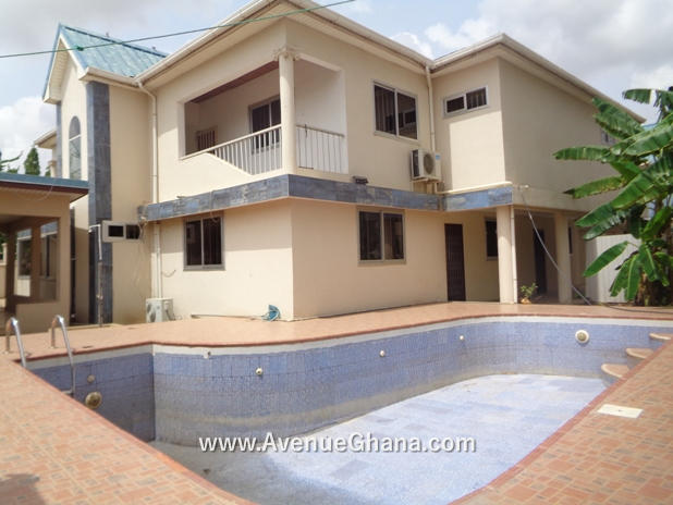 5 bedroom swimming pool house with 2 bed outhouse for rent at Roman Ridge in Accra