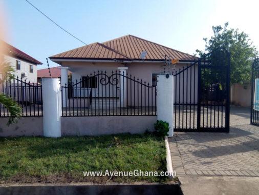 3 bedroom house with swimming pool for sale at Ayi Mensa near Oyarifa