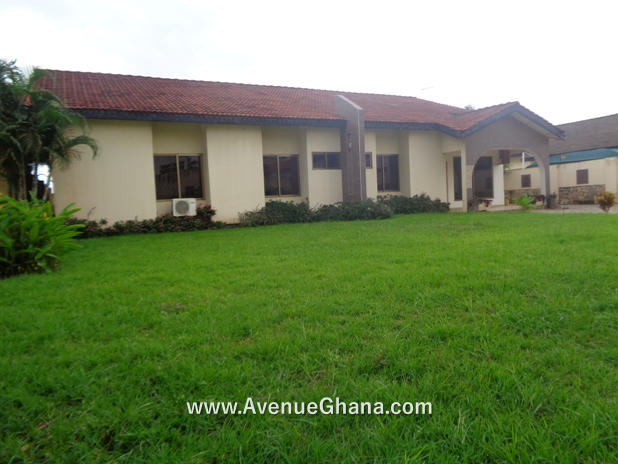 4 bedroom house with two bed outhouse for sale at Emef Estate, Tema