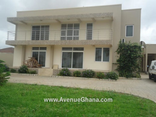 5 bedroom house with 2 bedroom outhouse for rent at Airport Hills in Accra