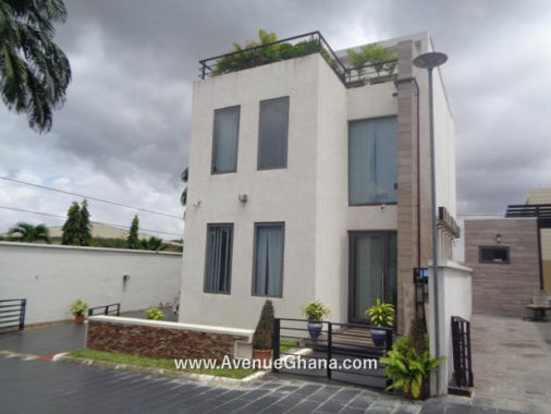 Executive 4 bedroom townhouse for rent at Airport residential Area in Accra